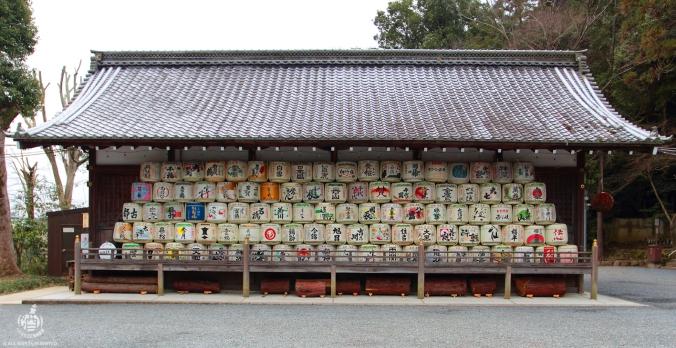 Botti di nihonshu omaggio delle cantine al Tempio.